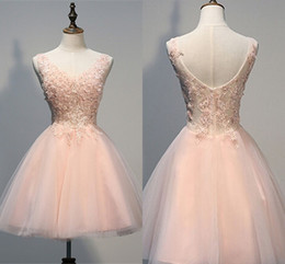 making straps for prom dresses 2019 - Girls Sweet A Line Homecoming Dresses V Neck Backless Short Prom Gowns with Appliques Crystal Knee Length Dress For Spec