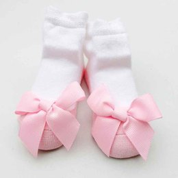 Barato Fita Das Meias Do Bebê-Pink Ribbon Bow Baby Girls Meias Princesa New Years Birthday Gift Meias com Bow Wholesales Baby Infant Girls Short Sock
