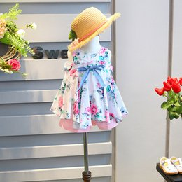 Tenues Coréennes Pour Filles Enfants Pas Cher-Mignon 2017 Nouveau bowknot coréen floral Filles Vêtements coton Veste Tops + shorts 2pcs Ensembles enfants princesse Enfant Vêtements Habillement Vêtements Filles A702