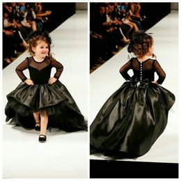 Grandes Robes À Manches Longues Pas Cher-2017 Noir Petite Fille Hi-Lo Pageant Robes Sheer Neck Puffy Shiny Jupe Illusion manches longues avec Big Bow et Crystal Flower Girl Gowns