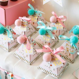 2017 New 20pcs Pink Blue Triangular Baby Shower Paper Candy Boxes Kids Birthday Party Wedding Gift Bag With Ribbons Tags Balls