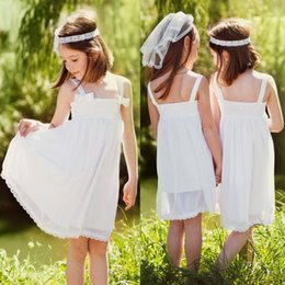 Barato Festa Na Praia Para Crianças-O mais barato Summer Beach Garden Boho Flower Girl Dresses 2017 Cute White Spaghetti Straps Knee Length Kids Birthday Party Wears