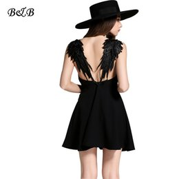 Ailes Robe Épaule Pas Cher-Vente en gros - Femmes d'été A-Line Broderie Robe Sexy Deep V-neck Off Shoulder Slim Lace Wing Of Angel Mini Dresses