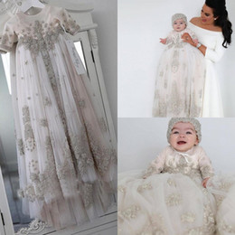 Blush Rosa Cristal Batizado Vestidos Para Meninas Do Bebê Mangas Compridas Lace Appliqued Batismo Vestidos Com Bonnet Primeiro Vestido de Comunicação em Promoção