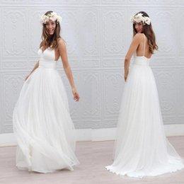 Playa de verano Boho Vestidos de novia Sexy Correas de espagueti sin espalda Tul acanalada Longitud del piso Vestidos de novia de boda bohemio robe de mariée en venta