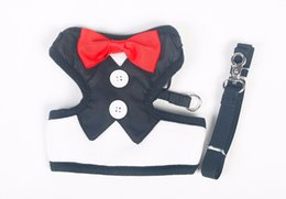 Telas De Vestir De Poliéster Baratos-Tuxedo Cat Harnesses Set Cute Bowtie Leash Collar Tejidos de poliéster Estilo británico pequeño perro Ajustable Wedding Dress Party