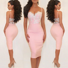 Barato Vestidos De Renda Rosa Pálido-Sexy Pale Pink Cocktail Dresses Sweetheart Spaghetti Straps Lace Vestido de cetim Tea Length Evening Dresses Backless Short Prom Dress