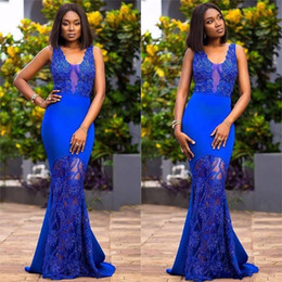 Beaded Mermaid Prom Pageant Dress Canada - 2017 Arabic Sexy Royal Blue Prom Dresses Scoop Neck Keyhole Mermaid Lace Appliques Beaded Plus Size Pageant Party Dress Formal Evening Gowns