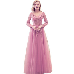 Barato Projetos Do Bordado Do Vestido De Noite-2017 New Design Evening Dress Sweet Honorable Pink Lace Bordado V-neck Long Sleeved Prom Dress The Bride Banquet Elegant Party Gown