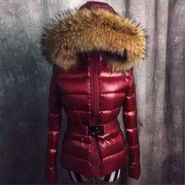Barato Mulheres Para Baixo Em Peles De Penas-2017 Fashion M Duck Mulheres Down Coat 100% Raccoon Fur Collar Down Jacket Red Balck Colores Feather Dress