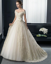 New Fashionable Organza Lace Princess Wedding Dresses 2017 V Neck Sexy Luxury Gowns With Flower Belt