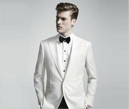 $enCountryForm.capitalKeyWord Canada - 2017 custom white men suits Groom Tuxedos Jacket+Pant Wedding Suit For Mens prom Fashion Tuxedos wedding party side vent002