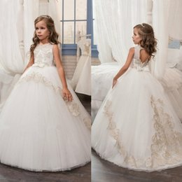 Barato O Concurso Mostra O Bebê-Cheap Ball Gown Flower Girl Dresses 2017 Lace Appliqued Toddler Dress Up Dressing Bow Boho Wedding Little Baby Vestidos para a Comunhão