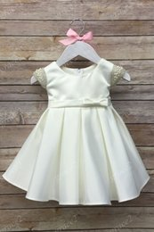 Images De Photos De Filles Mignonnes Pas Cher-Premières robes de communion pour les petites filles 2017 avec Cap manches et Bow Real Photos Ivoire Baby Baptême Dress Cute Girls Formal Dress