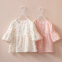 Tops Blancs Élégants Pas Cher-Sweet Girls Cartoon Strawberry Print Tees Bébé Enfants rose et blanc Blouse couleur Trumpet Sleeves Coton Tops Stylish Clothing