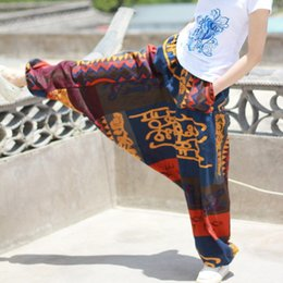 Pantalones Hippie Harem Baratos-Gypsy Hippie Aladdin Hmong Baggy Black Harem Pants Hombres Mujeres One Size Hammer Trousers New Boho Casual YOGA Pants Cross Cotton Pantalones de lino