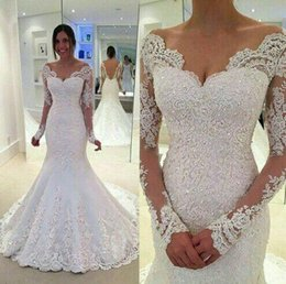 Barato Vestidos Novia Vestido De Renda-Vintage Off Shoulder Mermaid Lace Wedding Dresses 2017 V Neck Sweep Train Appliqued Beaded Sequined Manga comprida Plus Size Vestidos De Novia