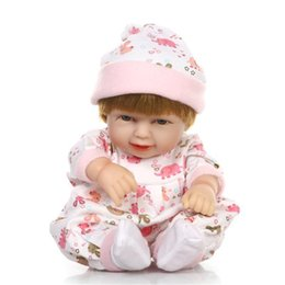 Chinese  11 Inch Handmade Lifelike Newborn Silicone Reborn Baby Doll With Sleeping Bag Reborn Baby Doll with Clothes manufacturers