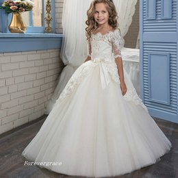 Robe De Dentelle Juniors Ivoire Pas Cher-2017 Mignon Mariage Lace Off Shoulder Flower Girls Robe Demi-Manches Junior Floor-Length Long Robe Occasion Spécial Dressant