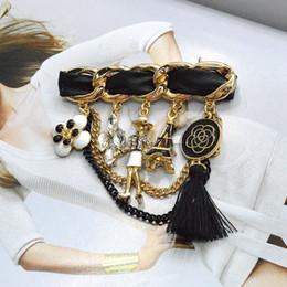 En gros-2016 Élégant Charme Dame Glands En Cuir Noir À La Mode Broche De Mode Bijoux Vêtements Vêtements Accessoires Sac Décoration Br848 en Solde