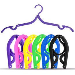 $enCountryForm.capitalKeyWord Canada - Hot Portable Folding Plastic Clothing Coat Hanger Travel Foldable Hanger Easy Carring Racks Business Trip Accessories