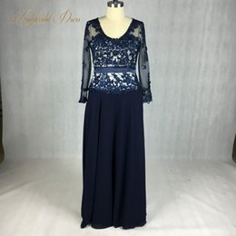 pink lace chiffon mother bride Canada - Real Design Navy Blue Long Sleeves U Neck Lace Appliqued Plus Size Mother Of The Bride Dresses Floor Length Long Evening Dresses Gown