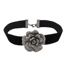 Track Jewelry UK - New Black Velvet Choker Necklace Gothic Handmade Retro Flower Pendant Jewelry high quality as gift free shipping with tracking number