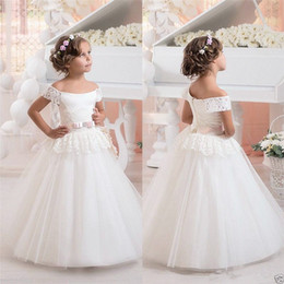 Chinese  Bateau Bow Lace Ball Gown Floor Length Crysatl Ruffles Flower Girls' Dresses Cute Pure Wedding Dresses manufacturers