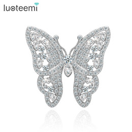 indian style brooches Canada - New Arrival Fashion Brooches Korean Style CZ Butterfly Wedding Bridal Brooch Wholesale Jewelry Hot Sale LUOTEEMI