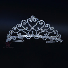 headpieces crystals tiaras NZ - Wedding Events Tiaras Crown Handmade Rhinestone Crystal Headpieces Heart Princess Hair Accessories Headband Pretty Party props km162