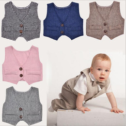 Barato Coletes Para Casamentos-Newborn Vest Baby Clothing Meninos Estúdio Fotografia Vest Toddler Gentleman Costumes Baby Weddings Suit Vest Moda Formal Coletes Tops B2819