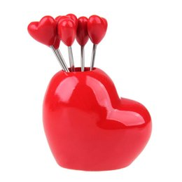 $enCountryForm.capitalKeyWord UK - Wholesale- 5pcs Love Forks 1pcs Love Holder Novelty oblique Red Heart Stainless Steel Fruit Fork Dessert Fork Set Christmas Birthday Gift
