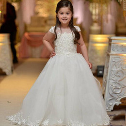 flower girls short lace dresses Canada - Beauty White Ivory Applique Lace Little Girls Wedding Flower Girls' Dresses Princess Short Sleeves Ball Gowns Graduation Party Wear 2017