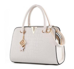 white leather hobo purses UK - Wholesale-2017 luxury handbags women bags designer ladies' Plain hand Alligator bags purse bolsas messenger bags shoulder free shipping