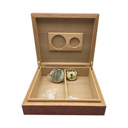 Discount cedar cigar boxes - High quality Big Box Cigarette Humidor Creative Red Cedar wood cigar storage Humidor, can hold 25 - 30 cigars