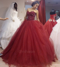 Barato Borgonha Quinceanera Vestidos Baratos-Sparkly Beaded Tulle Vestido De Baile Quinceanera Vestidos Major Beading Borgonha Quinceanera Prom Dress Cheap Sweet 16 Gowns
