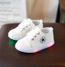 led sneakers Canada - European children casual shoes, fashion glowing LED sneakers hot sales, sneakers for kids, cute girls and boys shoes
