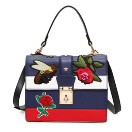 Chinese  Wholesale- 2016 Autumn National Vintage Embroidery Shoulder Bag Women Floral Bee Embroidered Handbags Ladies Small Lock Crossbody Bag Sac manufacturers