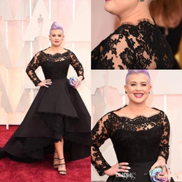 Barato Vestido De Baile Alto Vestido Baixo-2017 Oscar Kelly Osbourne Vestido de celebridade Manga comprida Lace Scallop Vestido de baile preto High Low Red Carpet Sheer Evening Gowns