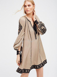 $enCountryForm.capitalKeyWord Canada - 2017 new free shipping national retro style dress women boho dress embroidery tassel loose hippie chic dress people hot vestidos
