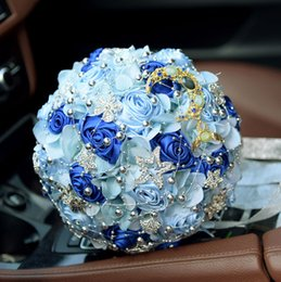 Barato Bouquet Noiva Handmade-Top Sale Ice Blue Bouquet de noiva Flores artesanais Bling Crystal Beaded Wedding Flowers Bouquet Decoração de mesa Bouquet de flores de seda