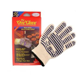 Boxing gloves mitts online shopping - The Oven glove Microwave oven Glove Heat Resistant Cooking Heat Proof Oven Mitt Glove Hot Surface Handler with retail box