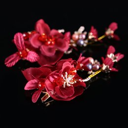 Barato Alta Qualidade Noivas Jóias-New Fashion High Quality Wedding Bridal Red Flowers Tiara Emparelhado Red Hairpin Headwear Barrettes Wreath Headdress Hair Jewelry 2017