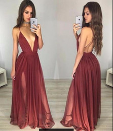 Barato Vestidos Deep Open Neck-Dark Red Sexy Deep V Neck Long Prom Dresses 2017 Rolded Chiffon A linha de comprimento do chão Split Backless Seniors Evening Gowns Open Back