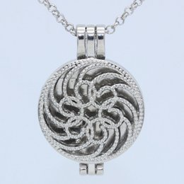 $enCountryForm.capitalKeyWord NZ - Wholesale Silver Circle Flower Aromatherapy Essential Oil Diffuser Floating Living Memory Round Photo Locket Pendant Chain Necklace