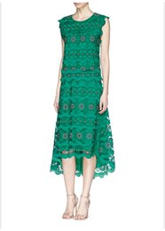 $enCountryForm.capitalKeyWord Canada - new hot lace 2019 Luxury Runway New Green O Neck Hollow Out Embroidery Lace High-Low Women Dresses Fashion Celebrity Style Dresses