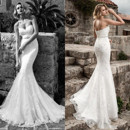 Barato Mais Cinto De Noiva-2017 Sexy Lace Mermaid Wedding Dresses Strapless Applique Beaded Crystal Belt Sexy Corset Plus Size Vestidos de noiva Modest Bride Dresses