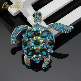 flower shape brooches Canada - Top grade Cute Tortoise Shaped Brooches Pins for Women Crystal Rhinestone Flower Brooch Pins for Party Jewelry Wholesale Free Shipping