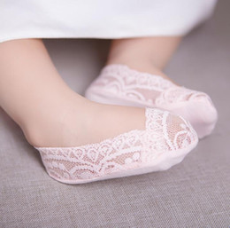 Discount silicon socks Baby Kids Lace Socks Girls Princess Ankle Socks Children Cotton Sock Foot Cover Silicon Bottom Anti Slip Babies Socks 5