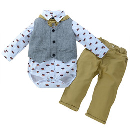 China Baby boy wedding clothes romper+waistcoatt+pants 3pcs set outfit kid clothing banquet party suits cute child fox jumpsuit boys toddler 3-24M supplier baby boy wedding formal suppliers